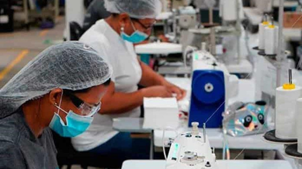 El personal ocupado en los establecimientos con programa IMMEX se incrementó 0.2% en el primer mes de 2021 frente al mes que le precede
