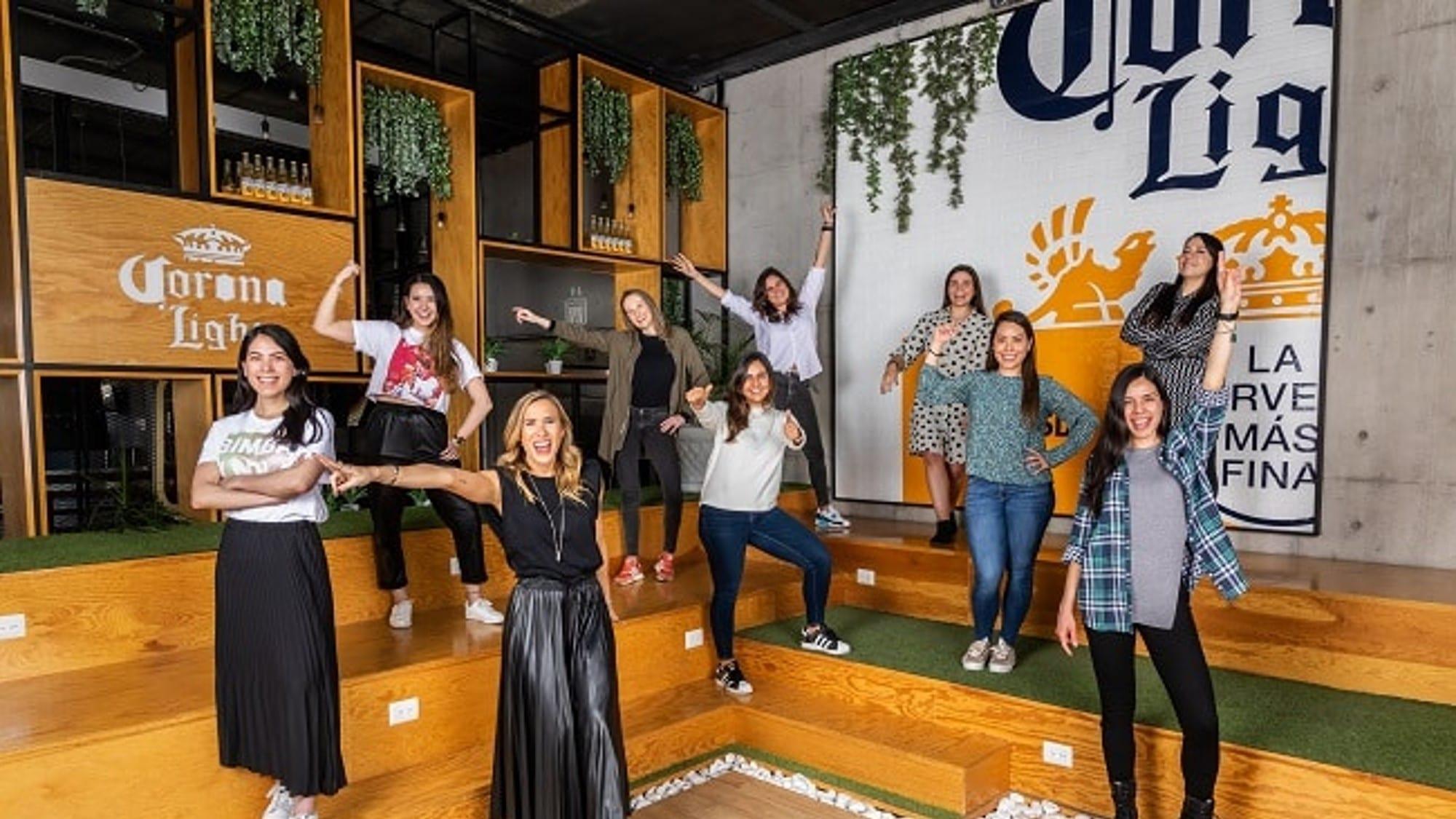 Mujeres brillando en la industria cervecera
