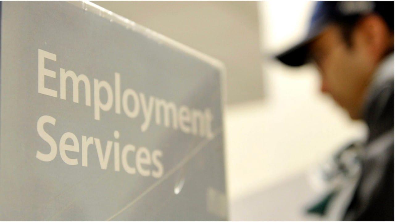 Genera EU 379,000 empleos  en febrero