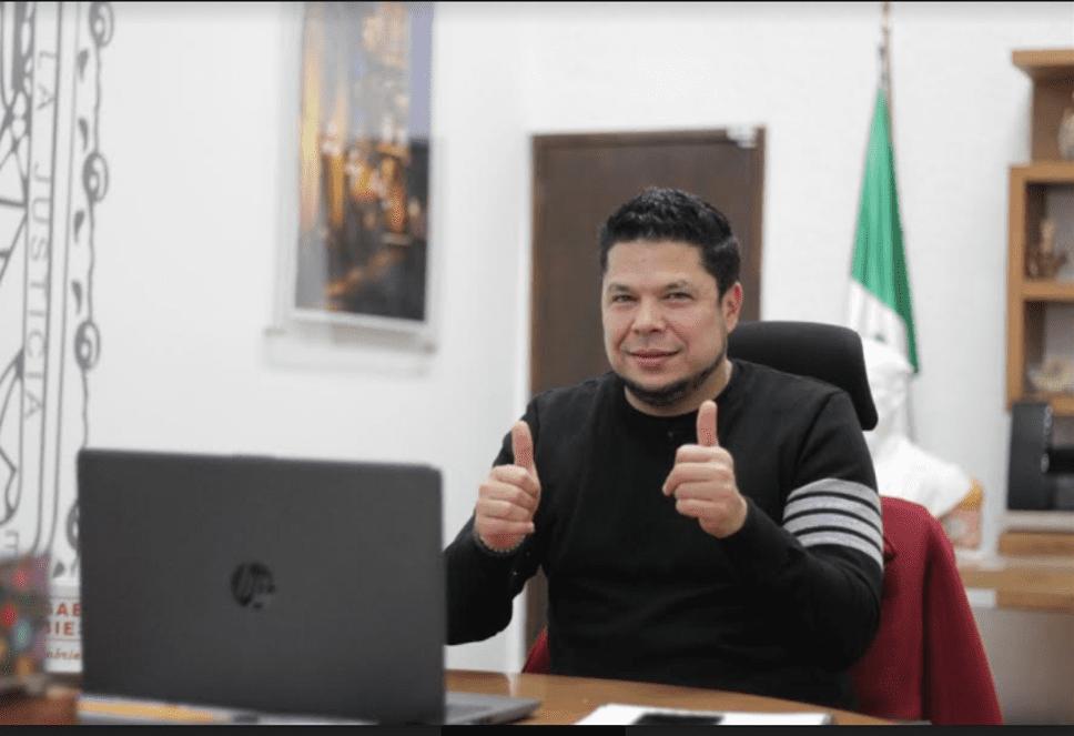 Gabriel Biestro minimiza declinaciones a favor de Claudia Rivera