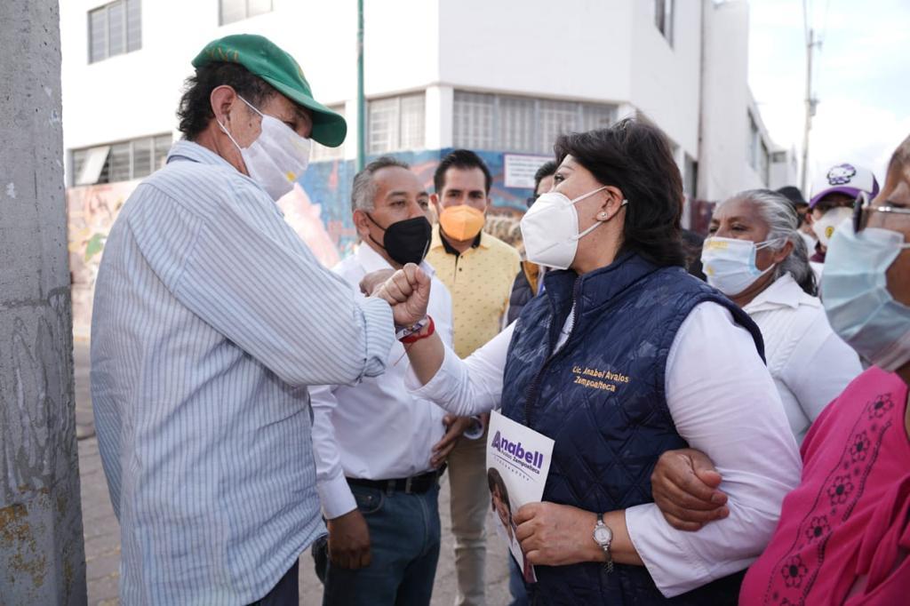 Realiza toque de puertas Anabell Ávalos en San Pablo del Monte