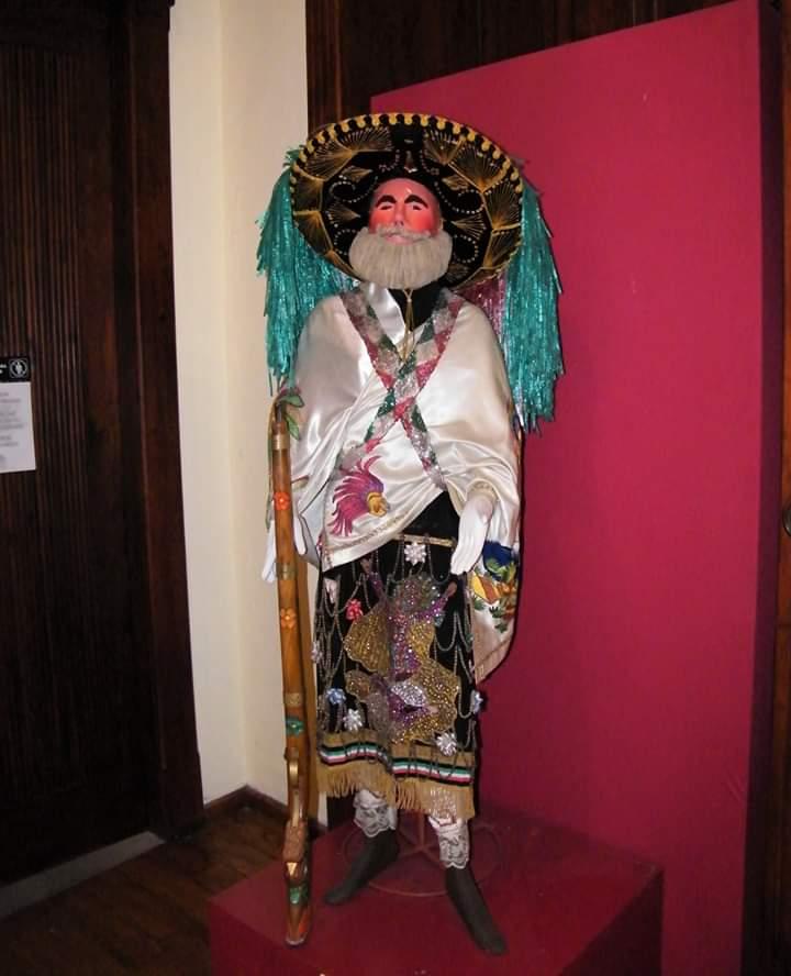 Máscaras e indumentaria del Carnaval de Huejotzingo