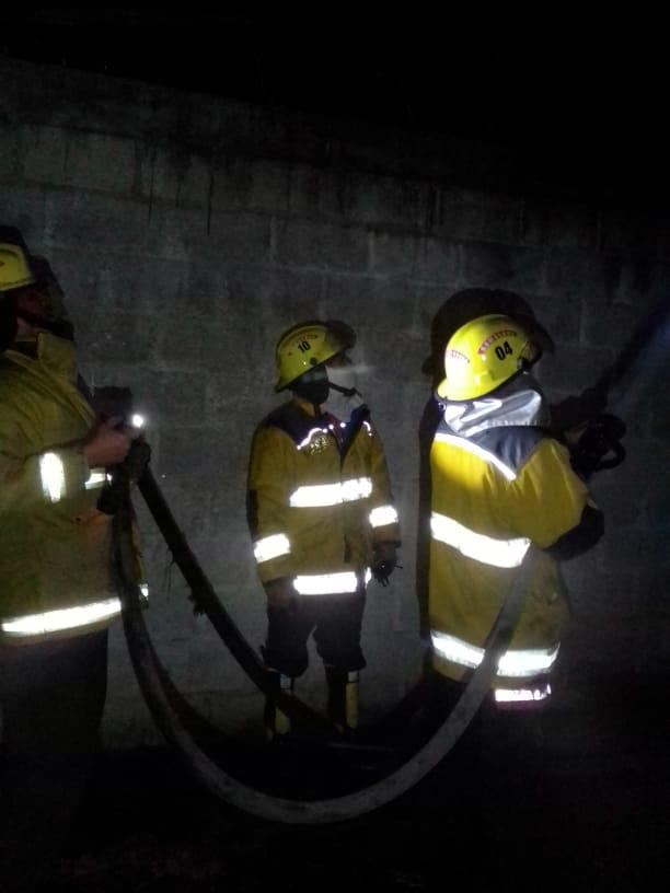 Se registra incendio en una vivienda de la colonia El Ocotal en Huauchinango