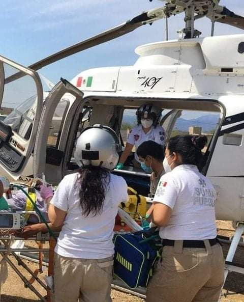 Químico del Hospital General de Coxcatlán sufre accidente vehicular