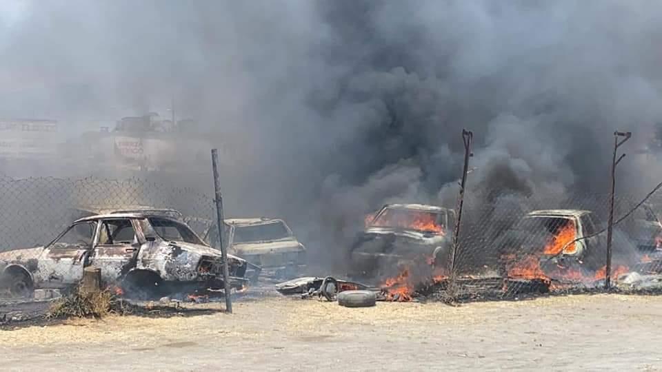 Pobladores de Tepatlaxco solicitan el apoyo de bomberos por incendio en un corralón