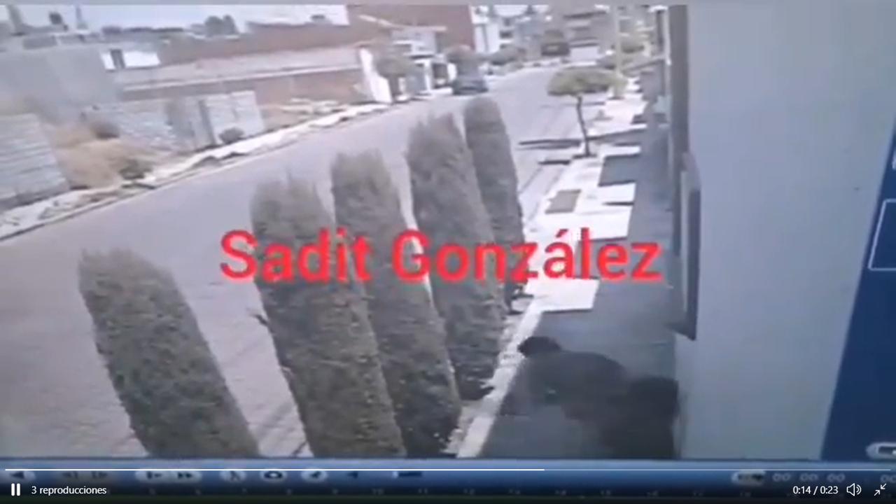 Video desde Puebla: Graban violento atraco contra una mujer en la colonia Satélite Magisterial