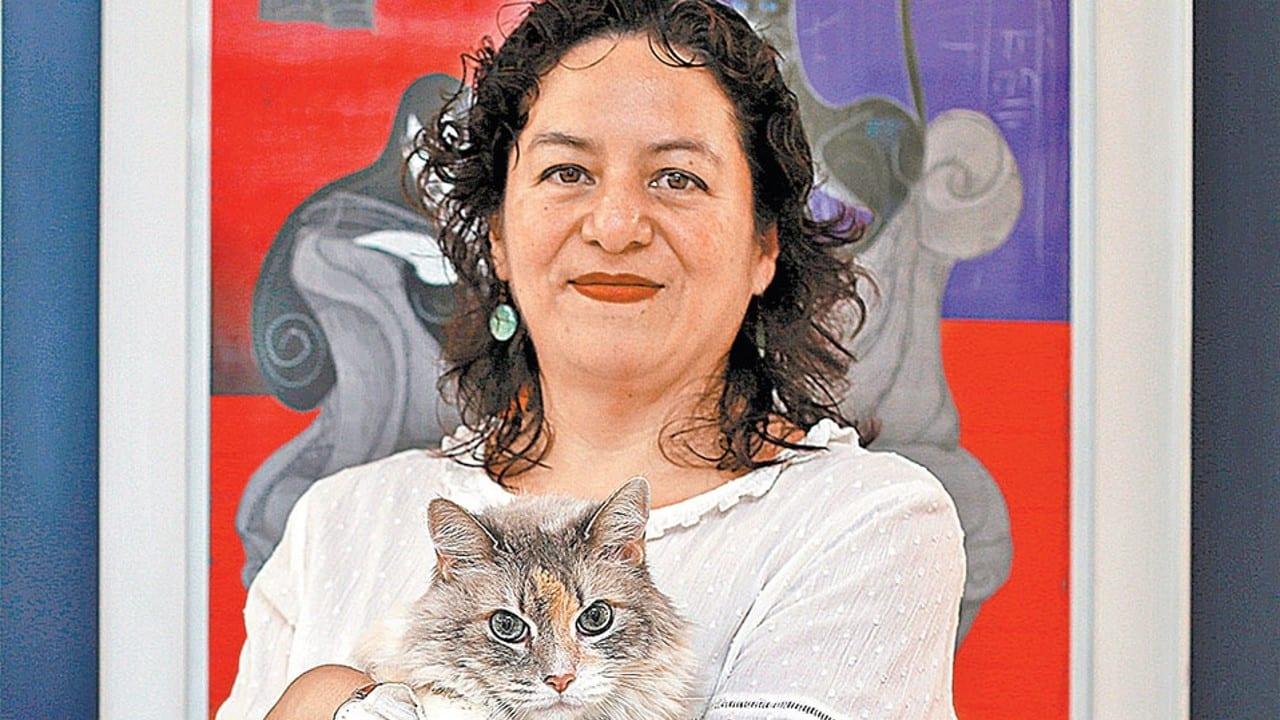 La presidenta municipal de Acatlán de Osorio y candidata de Morena presume camioneta de lujo de 1.5 millones de pesos