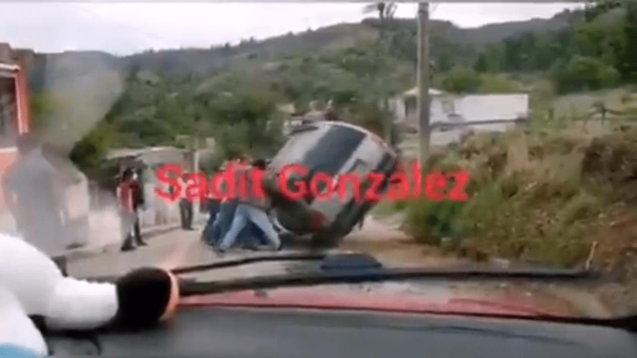 Vuelca camioneta en Xiutetelco dejando una mujer lesionada