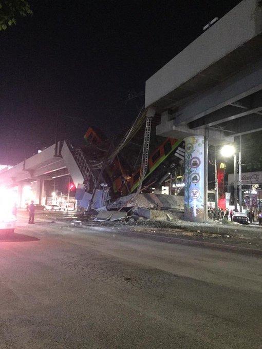Video desde Puebla: Puente se desploma con todo y tren del Metro en estación Olivos de la L12