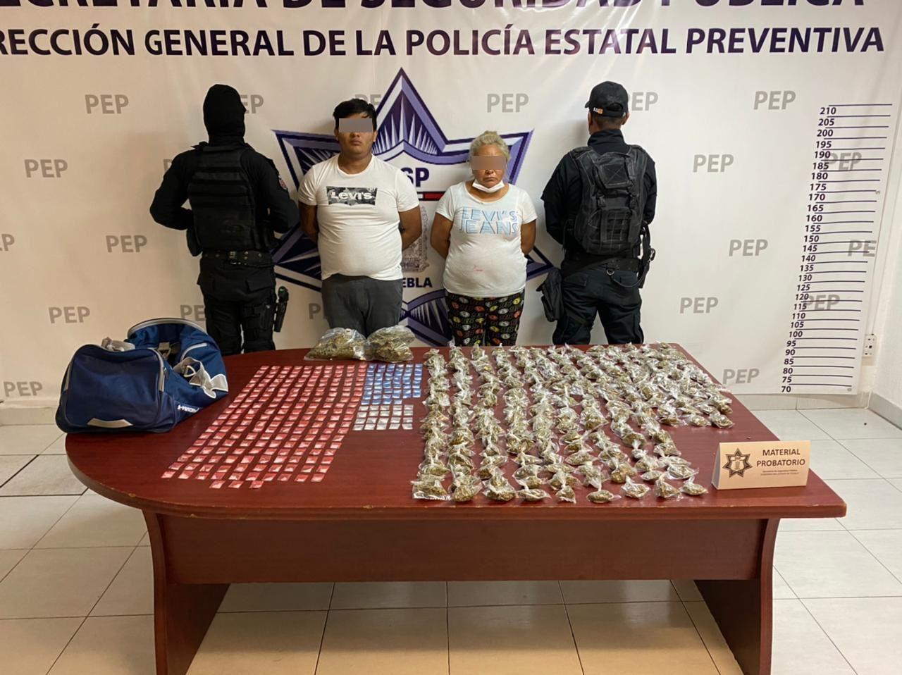 """Policía Estatal detiene a """"La Doña"""", presunta encargada de """"La Mafia de Analco"""""""