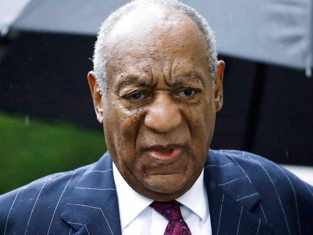 Niegan libertad condicional a Bill Cosby por no ir a programas para delincuentes sexuales