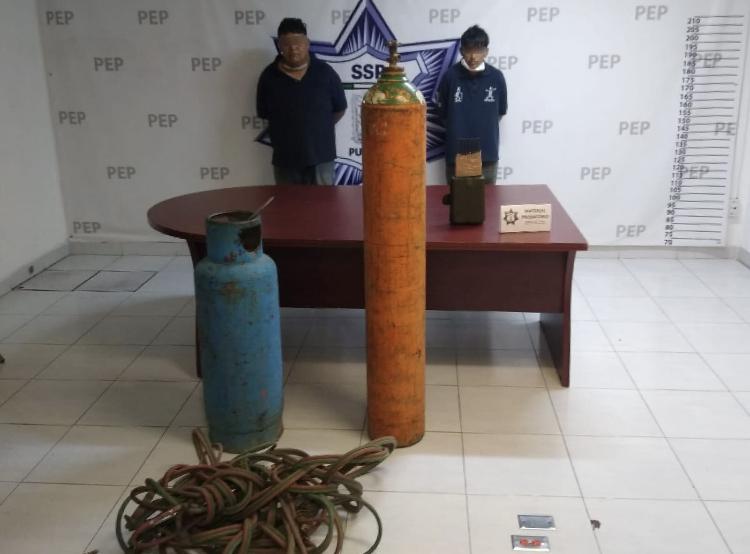 Policía Estatal detiene a dos personas presuntamente vinculadas al robo de vehículos de carga