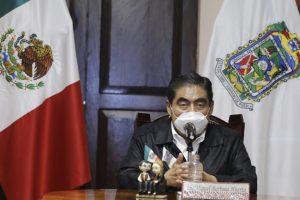 Empresa contratada por Moreno Valle para Estrella de Puebla se robó piezas, acusó Miguel Barbosa