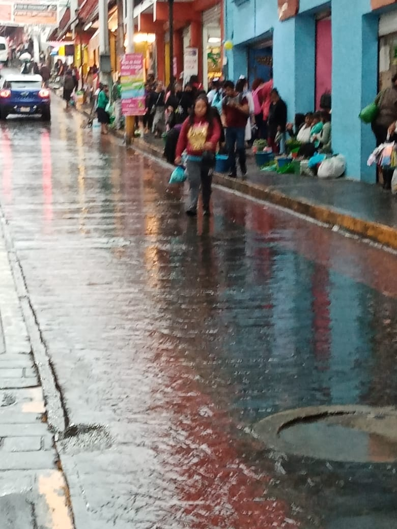 Fotonota: Repentina y copiosa lluvia azotó Huauchinango