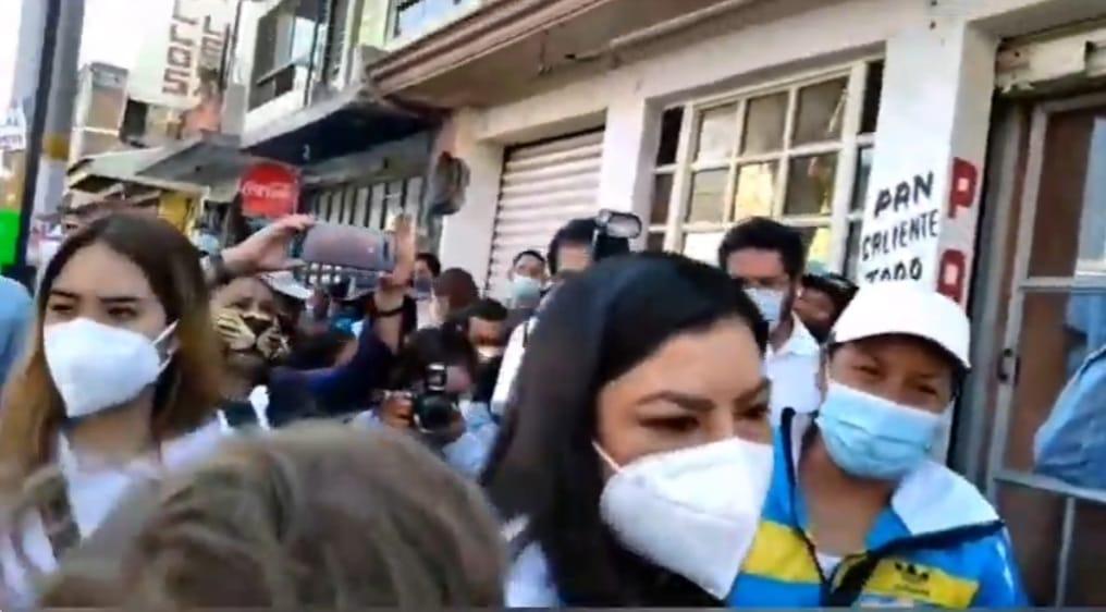 Video desde Puebla: Claudia Rivera inicia campaña en San Pablo Xochimehuacán