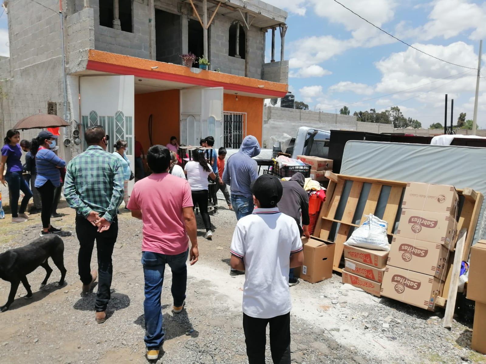 Vecinos de Santa Margarita, Amozoc, impiden desalojo de una familia.