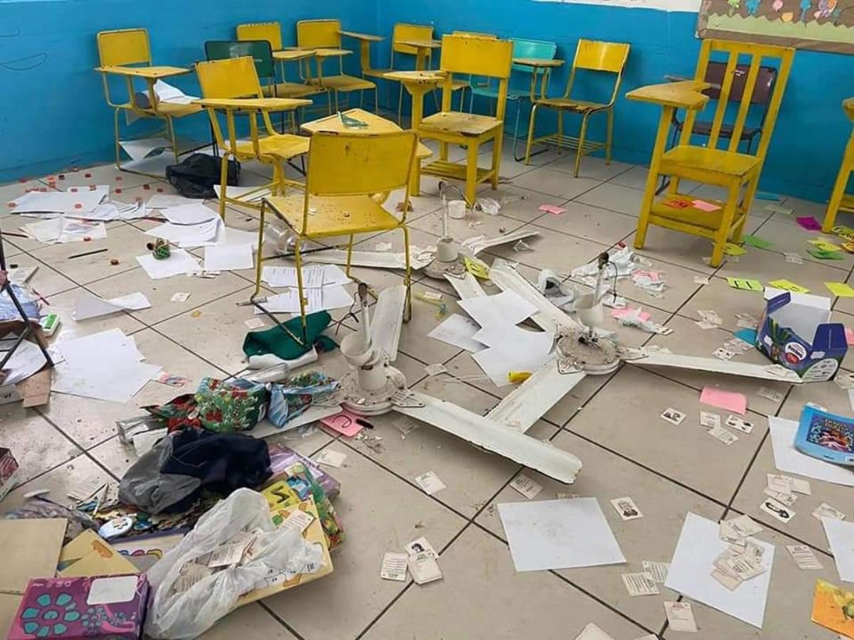 Urgen padres de familia revisión de planteles previo al retorno a clases para detectar escuelas vandalizadas