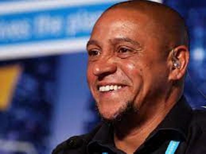 Roberto Carlos en exclusiva: El embajador mundial de Football for Friendship responde a las preguntas de los jóvenes participantes de todo el mundo