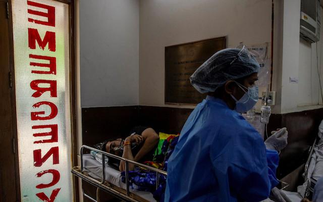 Casos diarios de Covid en India superan los 400 mil mientras empeora la segunda ola