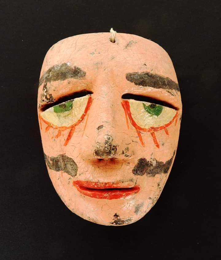 Máscara antigua de carnaval
