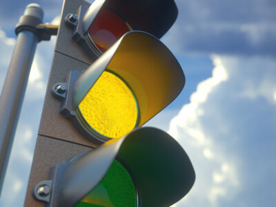 Bienvenido semáforo amarillo