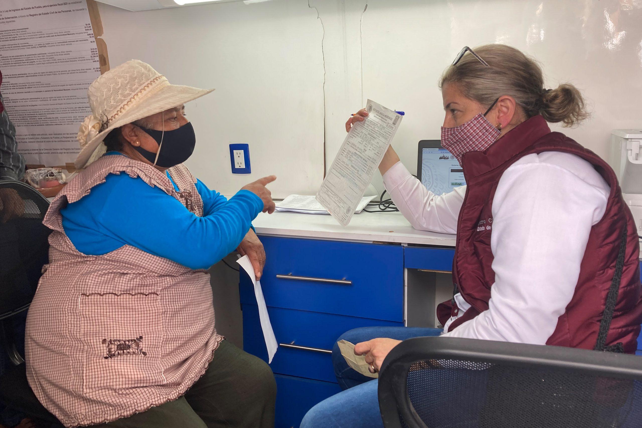 En Tecola, SEDIF y Registro Civil benefician a pobladores