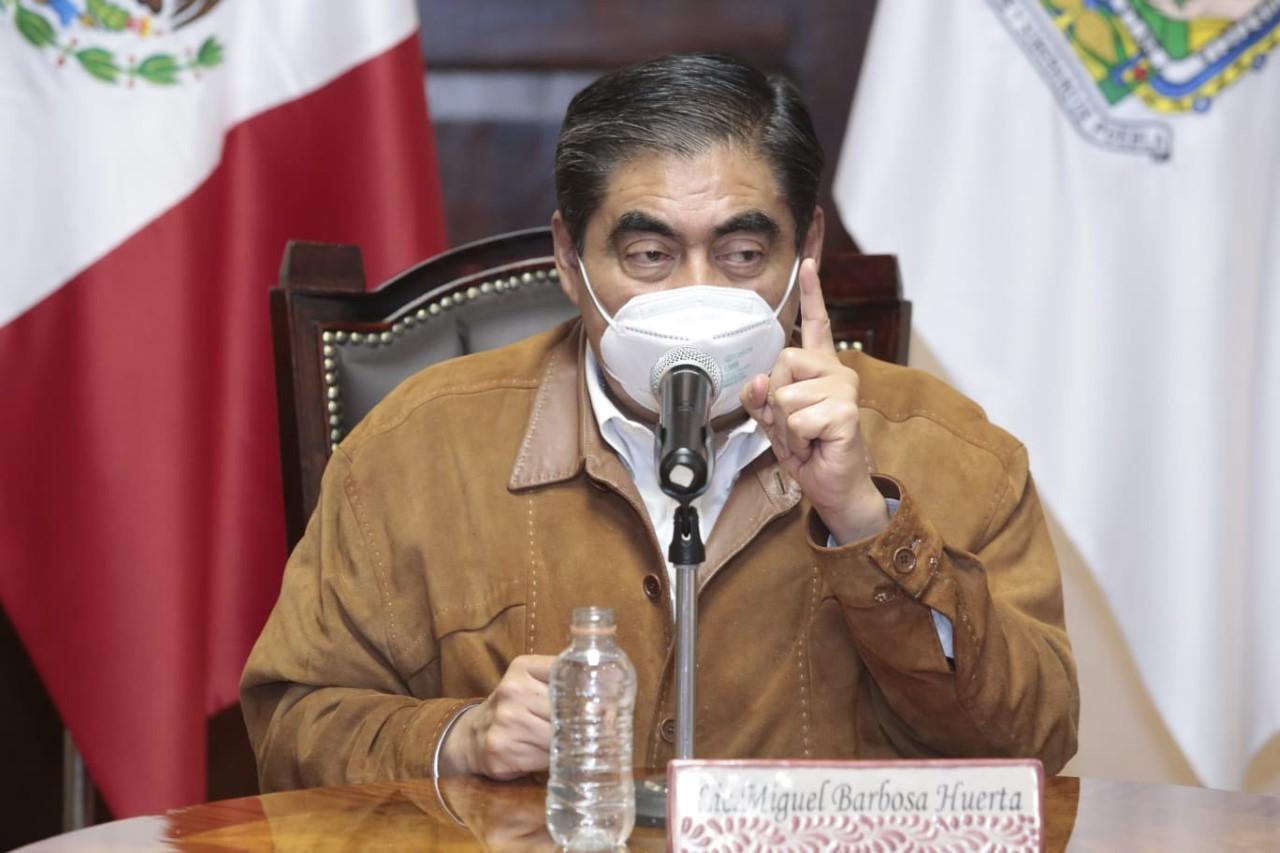 Gobernador Barbosa admitió dificultad para rescatar a perritos atrapados en el socavón de Juan C Bonilla