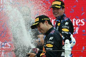 Verstappen ganó gracias a Checo, sin él nada pasaba: Helmut Marko