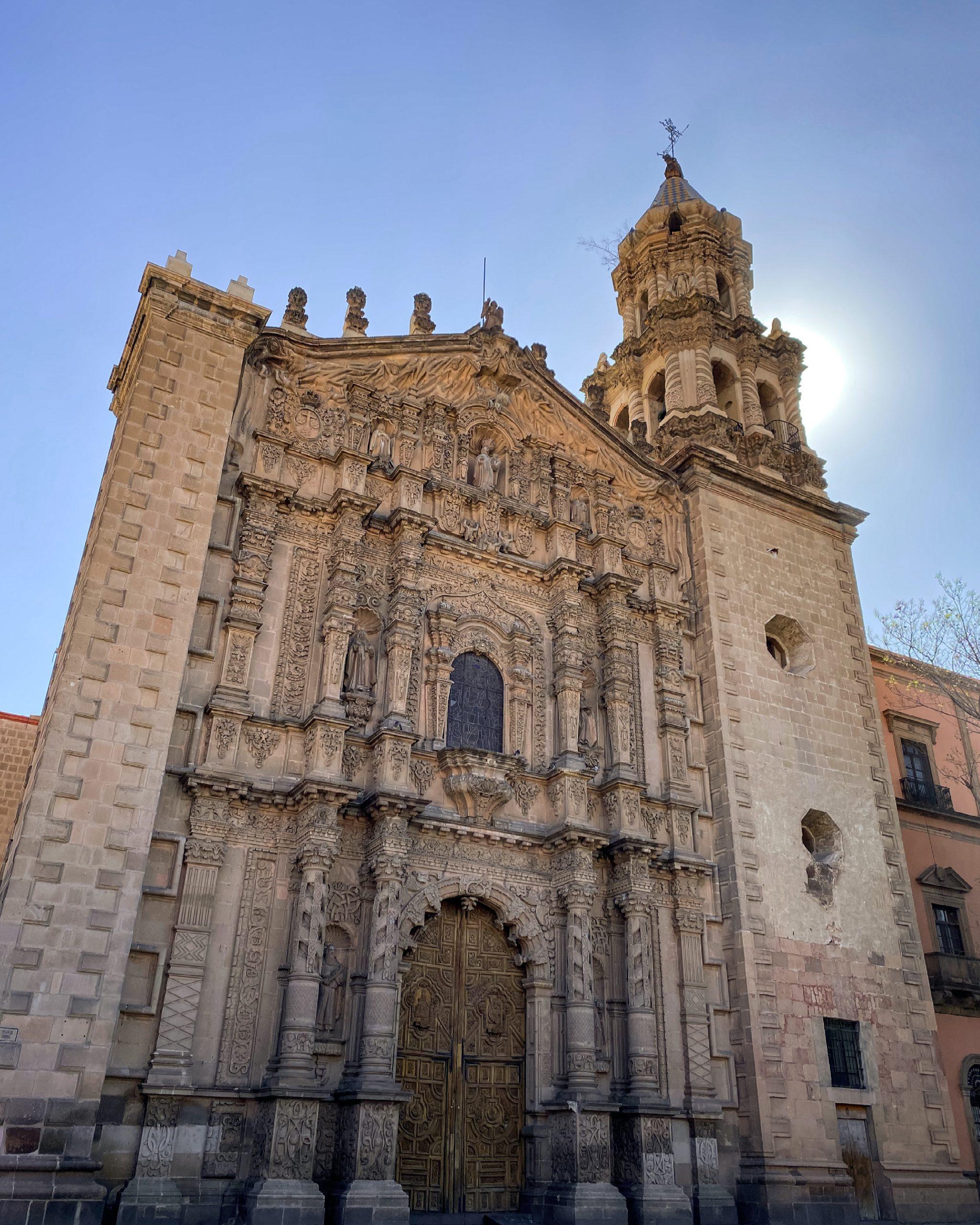 """Conferencia """"El Carmen Potosino: iconografía, arquitectura y misticismo"""""""