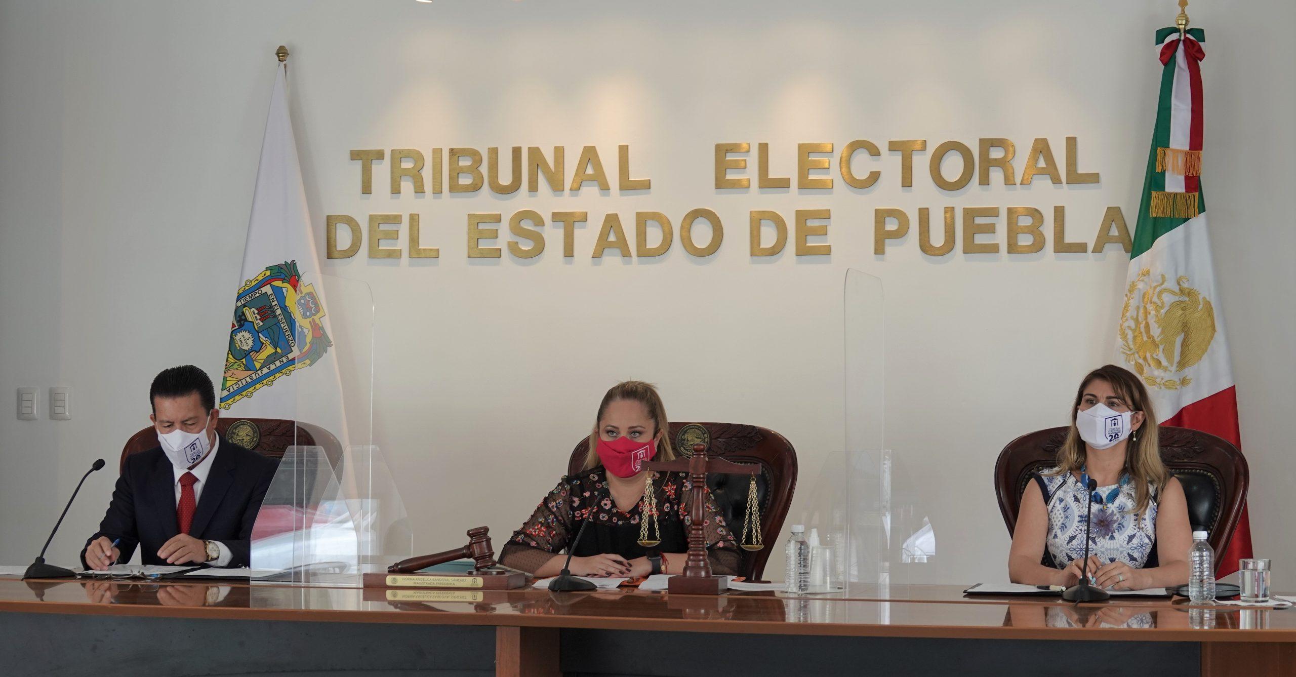Tribunal Electoral de Puebla falla a favor de Claudia Rivera y Argelia Arriaga por ataques de un regidor