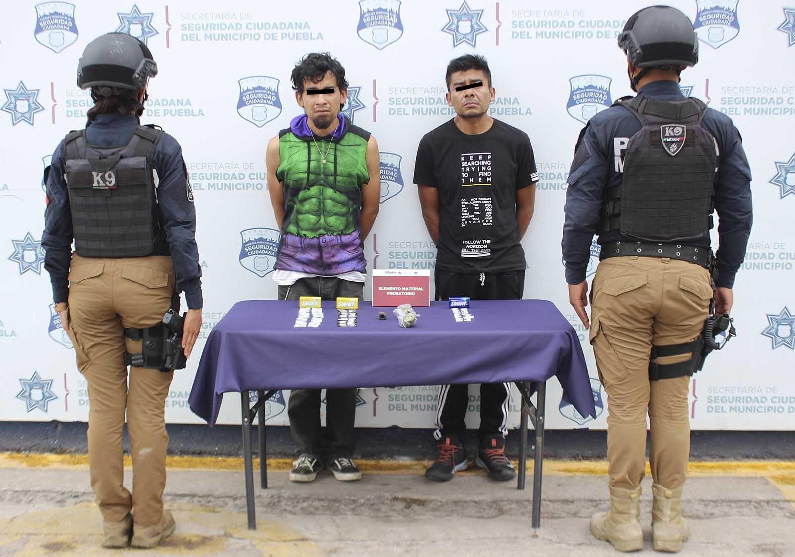 Detuvo Grupo K9 de la Policía Municipal de Puebla a dos probables narcomenudistas