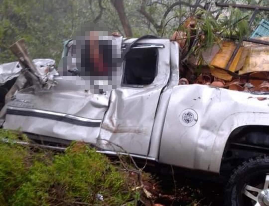 Fuerte accidente en la Chignahuapan-Tlaxco deja una persona prensada
