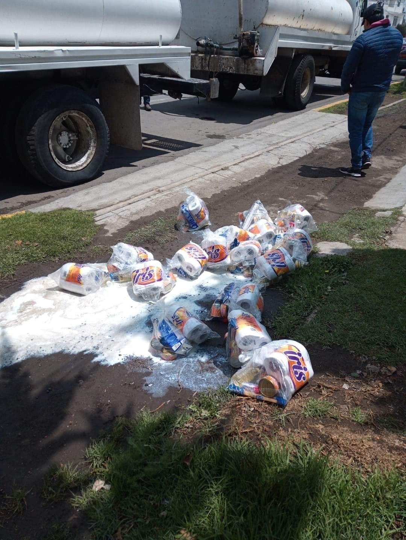No era agua, sino bolsas cargadas con despensas al interior de una pipa en Ciudad Serdán