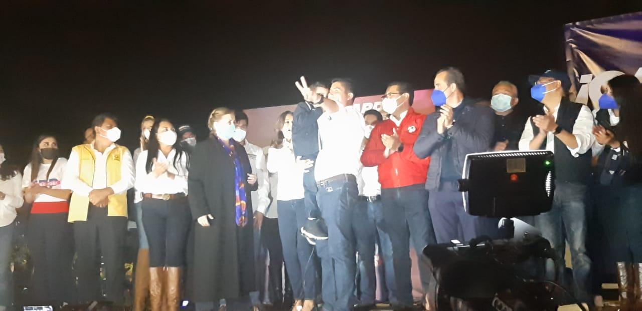 Video desde Puebla: Eduardo Rivera encabezó festejo en el Paseo Bravo por la victoria