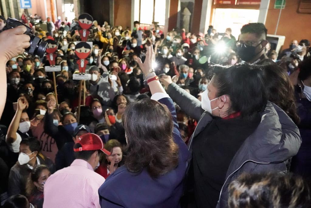 Video desde Tlaxcala: Anabell Ávalos festeja su victoria en el zócalo de la capital