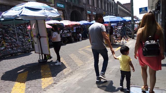 Lamentable que calle 5 de mayo siga invadida de ambulantes: Guevara