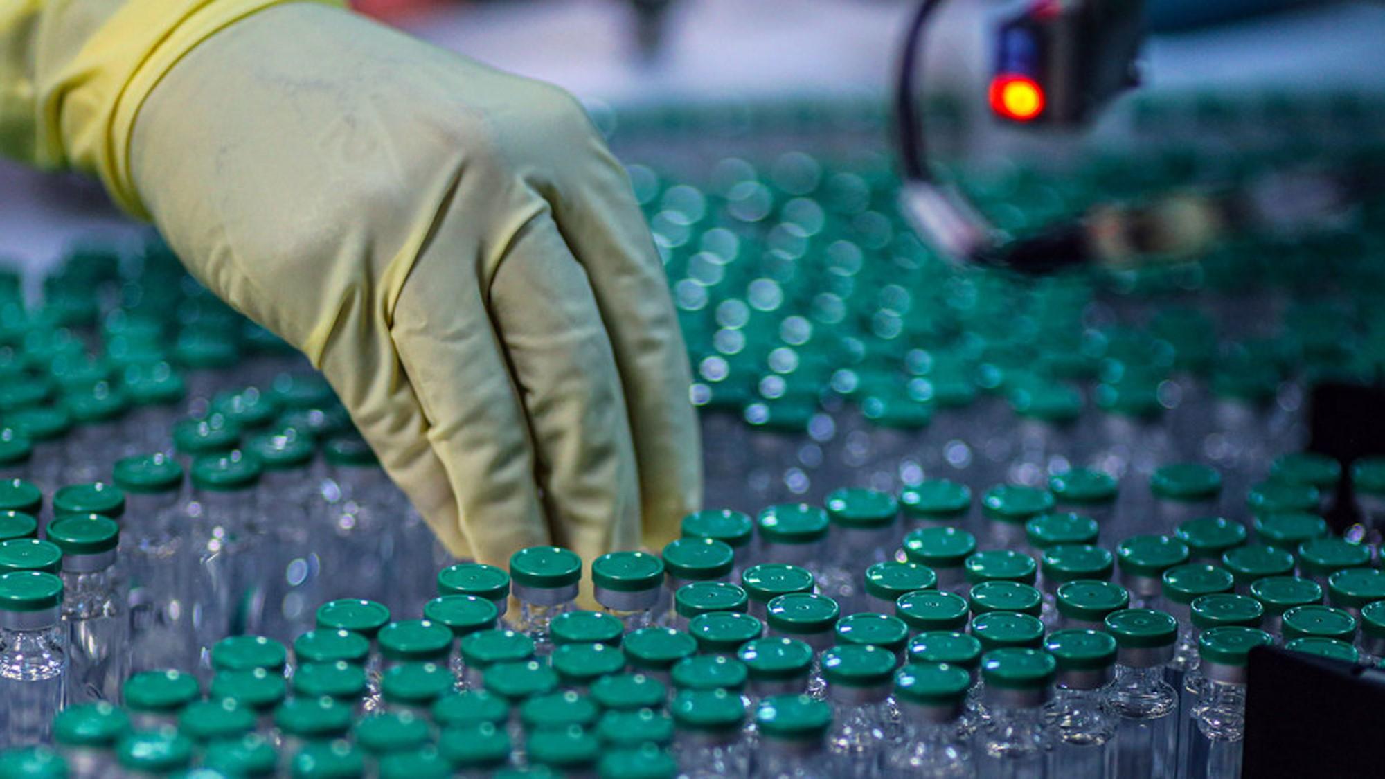 COVID-19: Nueva iniciativa de 50.000 millones de dólares para acabar con la pandemia y asegurar la recuperación mundial