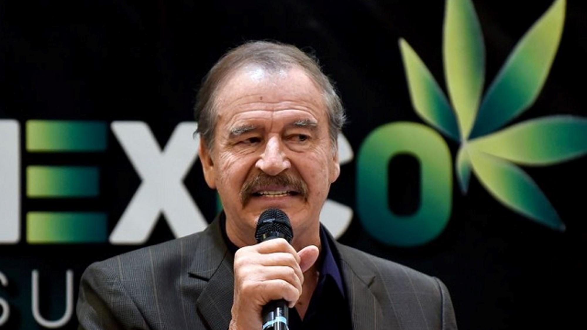 Como empleado de una empresa trasnacional del ramo farmacéutico, Vicente Fox va a Canadá a aplaudir la despenalización de la cannabis