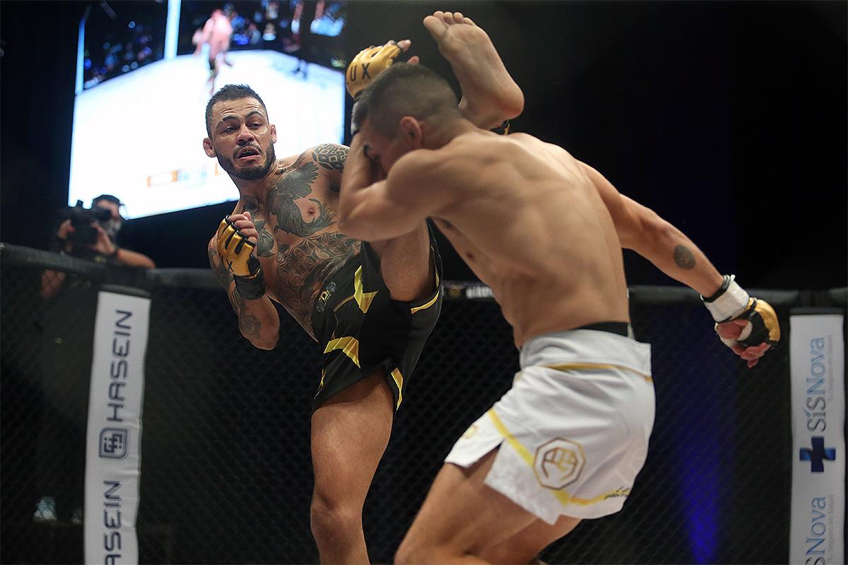 Retiene Beltrán cetro gallo de LUX Fight League al vencer a Mendoza