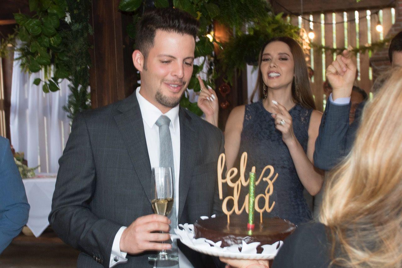 """Producción y elenco de """"La Desalmada"""" celebraron el cumpleaños de Julio Vallardo"""