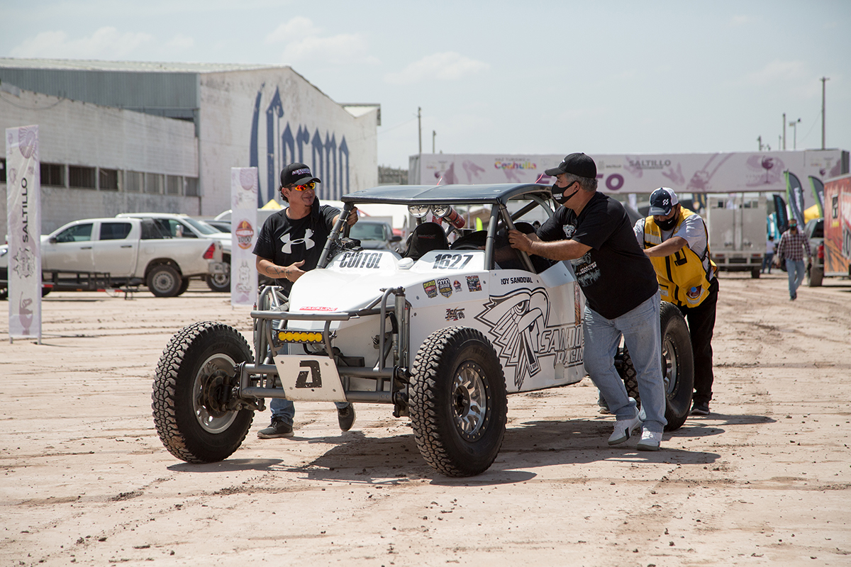 Da Riquelme Solís banderazo de salida al CANACO Adventure Coahuila Mil Desert Rally 2021