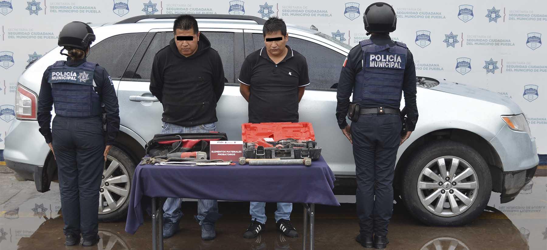 Exitosamente, detuvo Policía Municipal de Puebla a dos hombres por robo contra una constructora en Amozoc de Mota