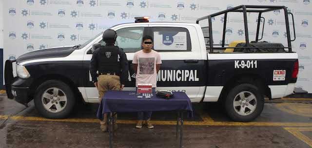 Detuvo policía municipal de Puebla a probable narcomenudista