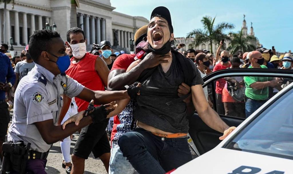 Video desde Tapachula: La Comunidad cubana en Tapachula exige a su gobierno un alto a la represión del pueblo