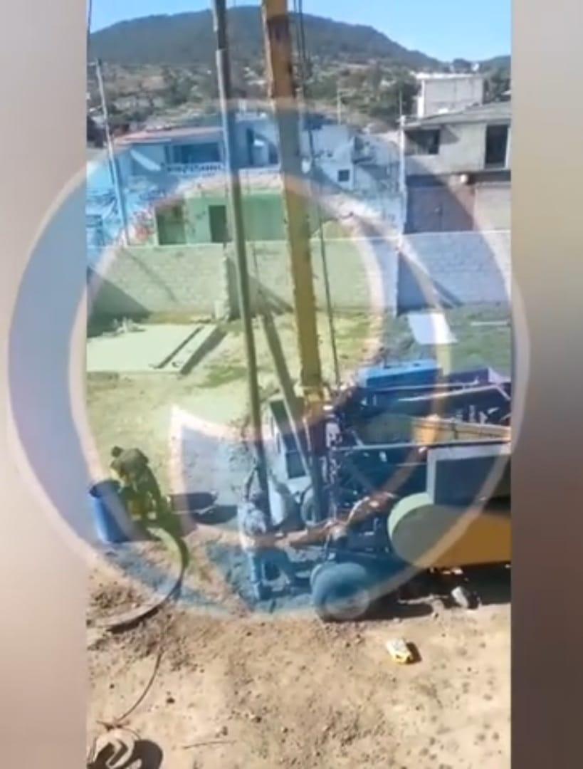 Video desde Puebla: Edil auxiliar de Chachapa da a particular permiso irregular de taladrar un pozo