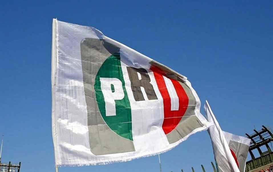 Falso que Gobernador Omar Fayad y otros destacados militantes hayan sido dados de baja del PRI
