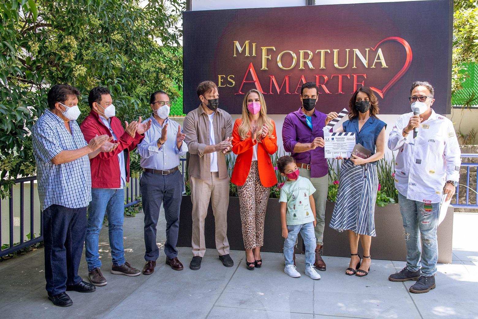"""Se realizó el pizarrazo de """"Mi fortuna es amarte"""", la nueva telenovela de Nicandro Díaz"""