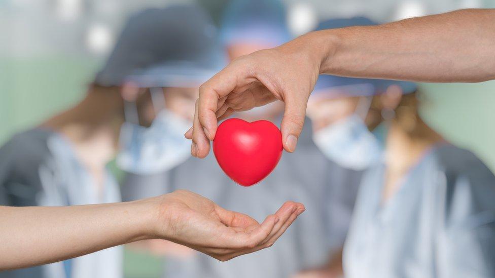 Los trasplantes de órganos cayeron un tercio a nivel mundial durante la primera ola de la pandemia de COVID-19, según nuevo estudio presentado en el Congreso de ESOT 2021