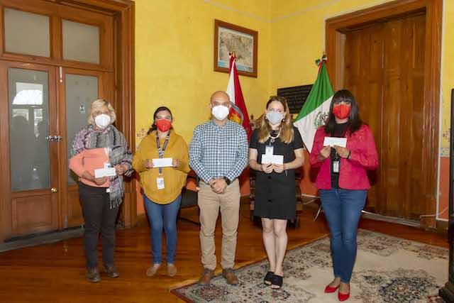 Secture entrega 150 becas a tour operadoras y guías de turista del estado