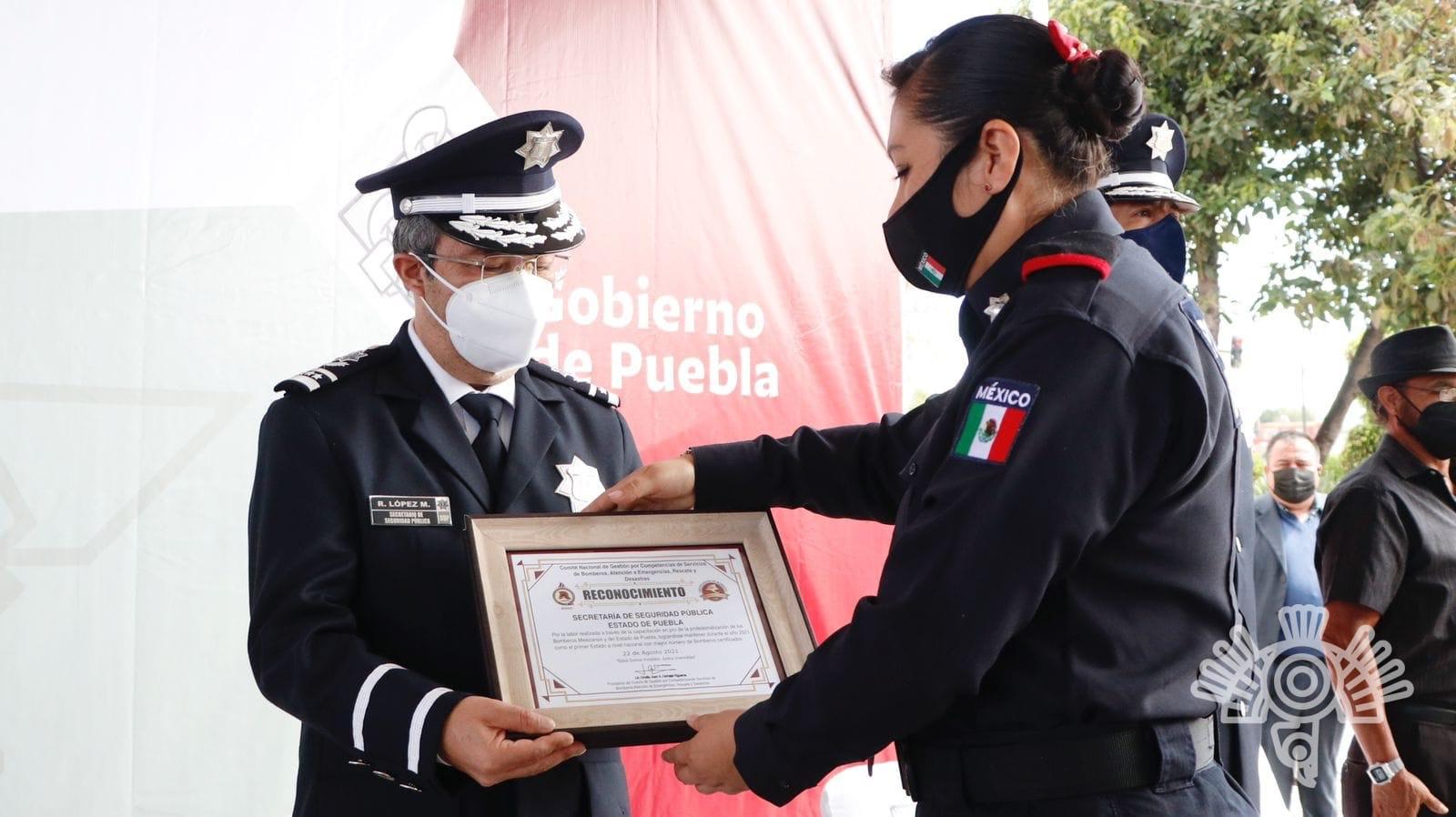 Con entrega de certificados, SSP conmemora el Día del Bombero